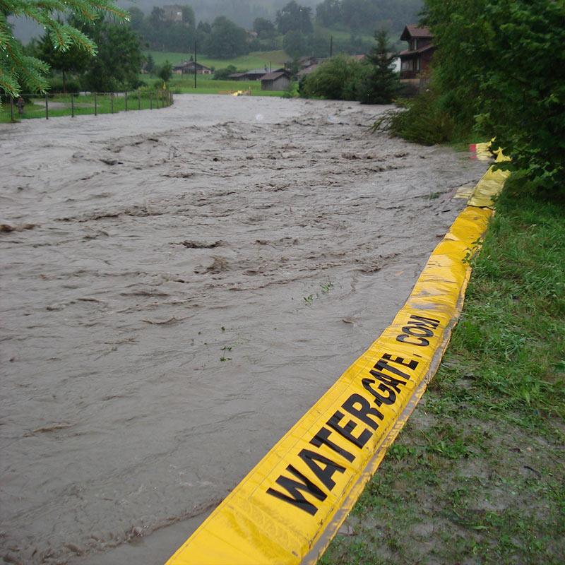 Protection inondation berges de rivière. Barrages souples anti-crues Water-Gate©