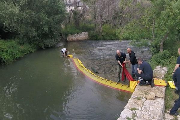 Wie man eine Flussschwelle in 3 Minuten austrocknet! Modell WL-06 mit integriertem Vorschaltgerät.