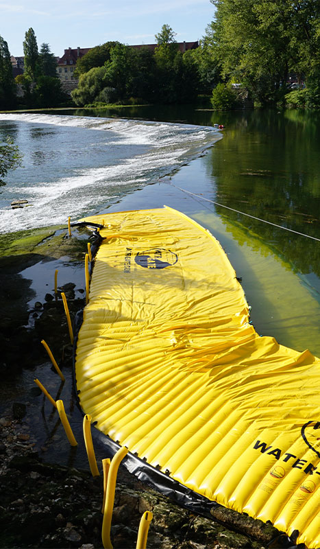 Flexible Kofferdämme Water-Gate © an der großen Schwelle der Doubs im Dole du Jura installiert.